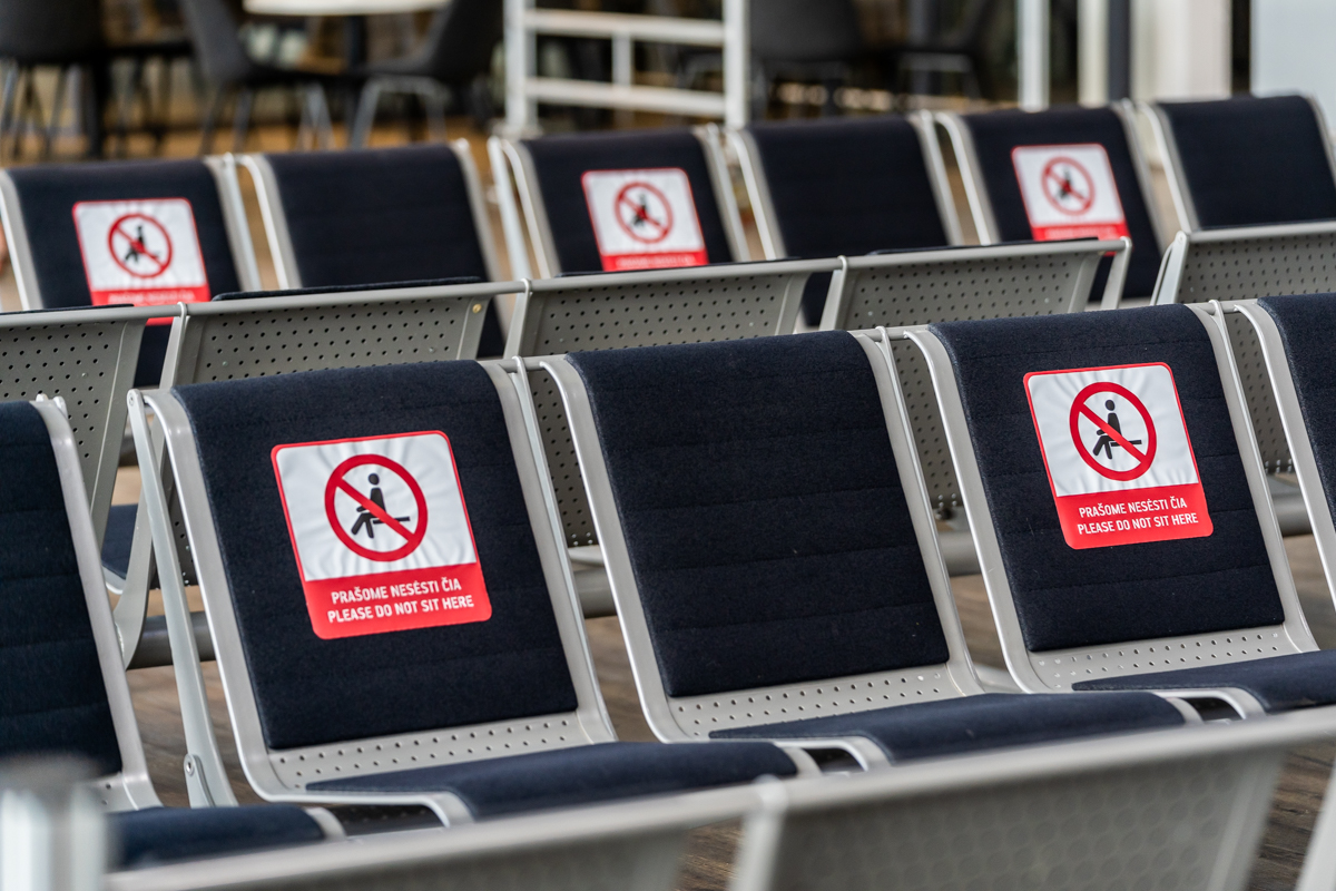 Kas antra sėdimųjų suolų kėdė yra pažymėta kaip nenaudojama